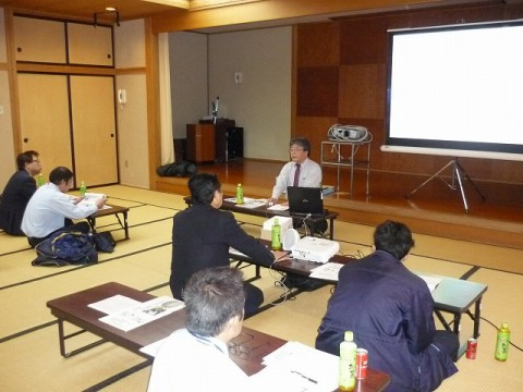 11月安全会議(山形県バス協会・栗田安全指導員講師を迎えて)