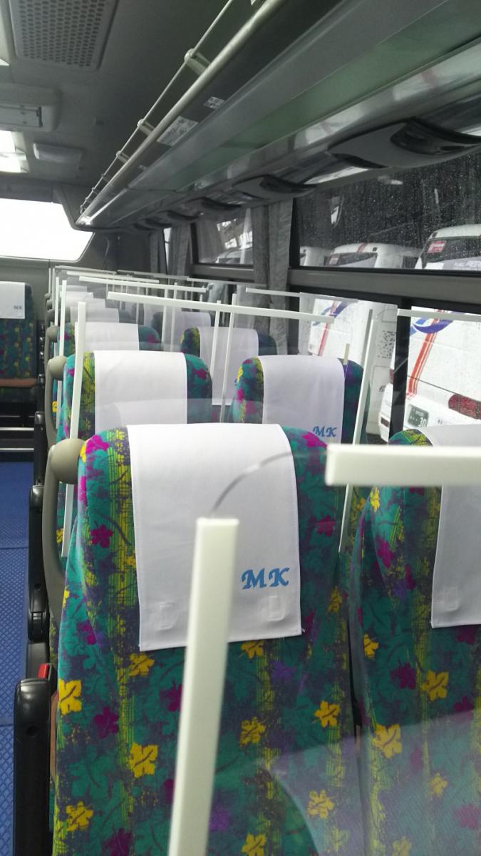 全バス全座席アクリル板設置について